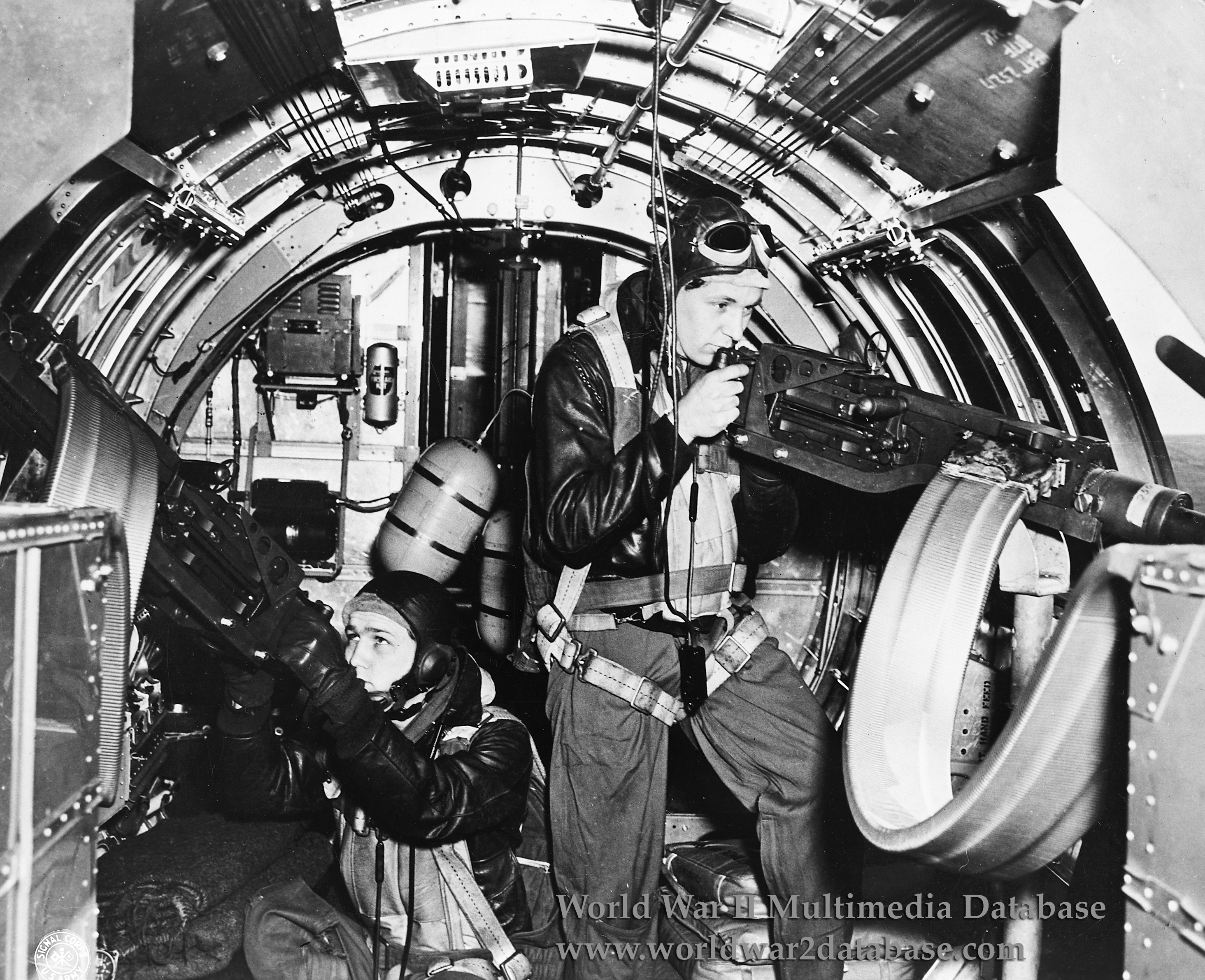 wwii0002 jpg B 17 Flying Fortress Photographs World War Ii Database